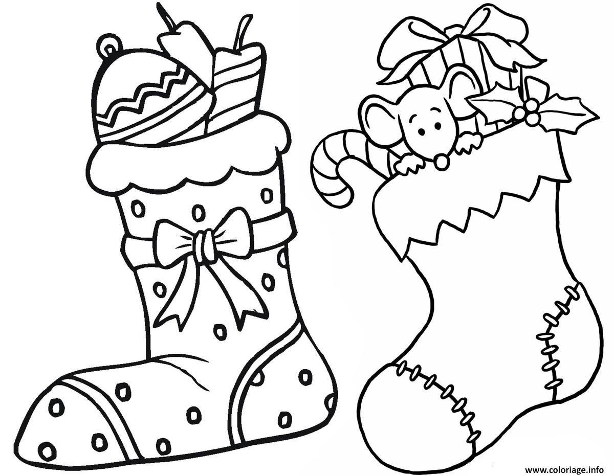 Coloriage Deux Bas De Noel Avec Des Surprises Dessin A Imprimer Coloriage Noel Gratuit Dessin Noel A Imprimer Coloriage Noel